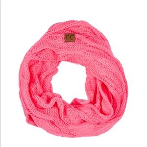 Cable knit C.C Infinity scarf New Candy Pink 🍭